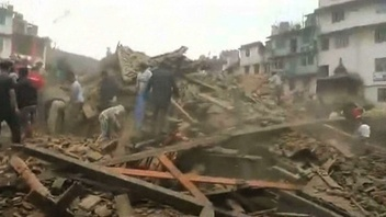 動画:ネパール地震、発生直後の被災地の様子