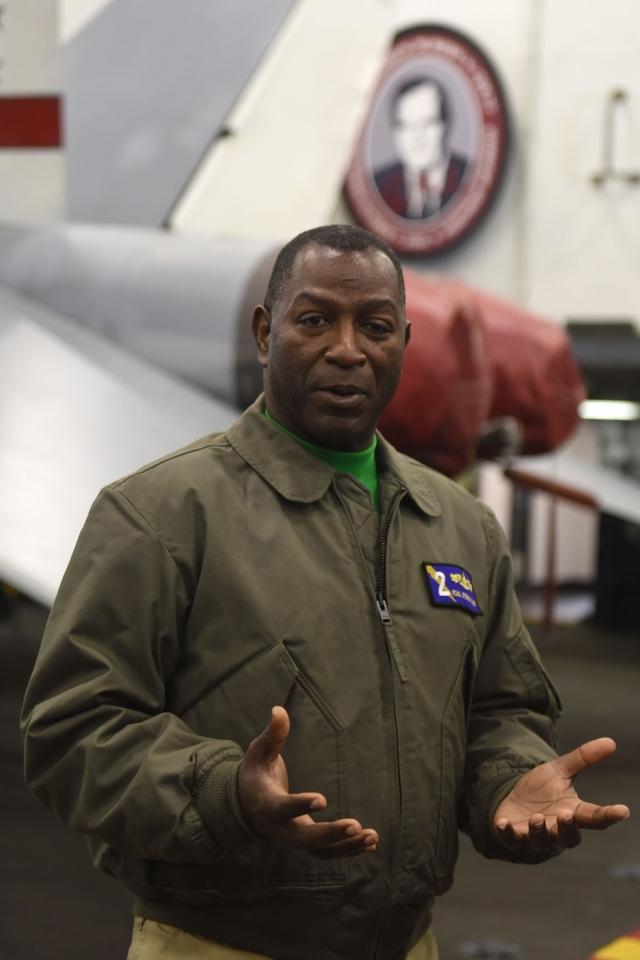 国際ニュース:AFPBB News【記者コラム】洋上のカルチャーショック、フランス軍と乗った米軍空母