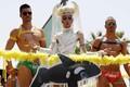イスラエル・テルアビブで開催された「ゲイ・プライド・パレード」の参加者(2016年6月3日撮影)。(c)AFP/JACK GUEZ