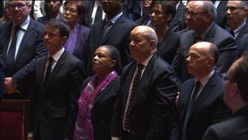 動画:ベルサイユ宮殿で国歌熱唱、上下両院議員