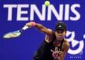 女子テニス、東レ・パンパシフィック・オープン、シングルス2回戦。ボールを打つ大坂なおみ(2018年9月19日撮影)。(c)TOSHIFUMI KITAMURA / AFP