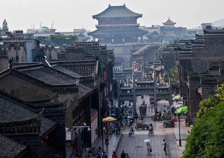 湖北省襄陽市にある襄陽城(2012年7月8日撮影)。(c)Xinhua News